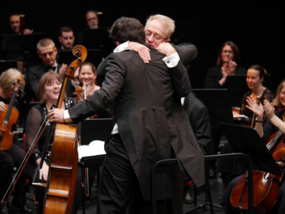 GX7-213-Daniel-Benn-with-Adrian-Brown-and-Bromley-Symphony-Orchestra-The-Hug